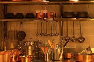厨房用品・食器の販売